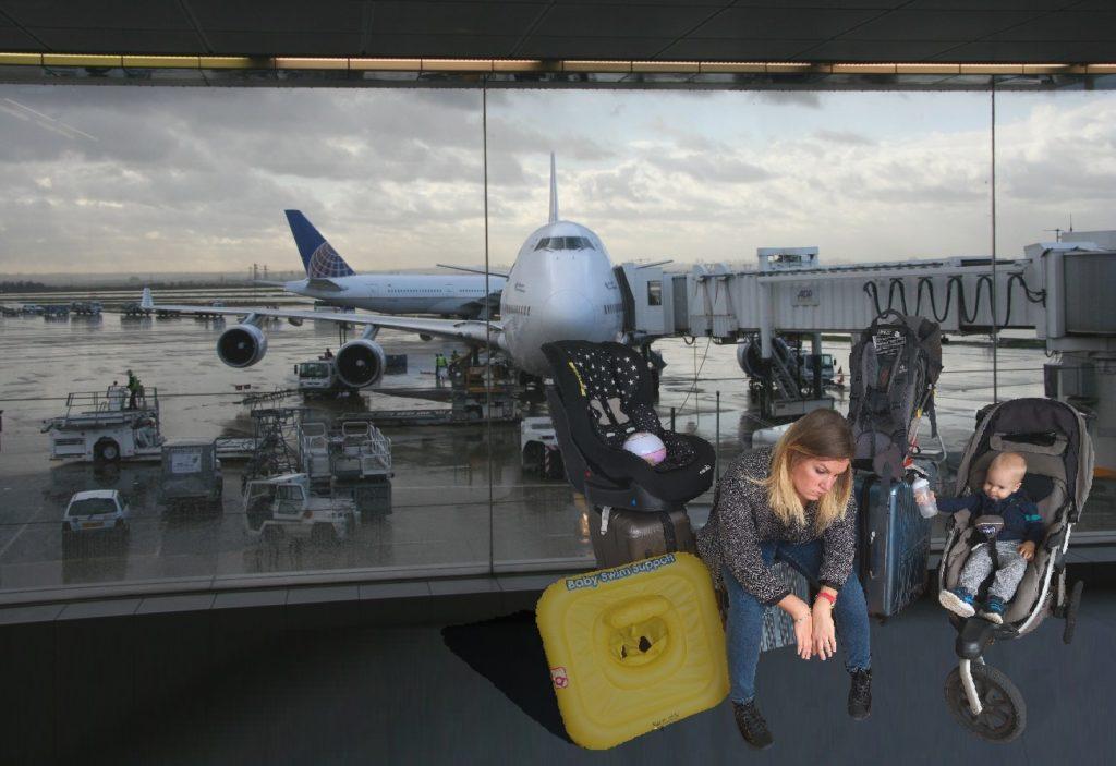 Surchargé a l'aerport avec le matériel de bébé
