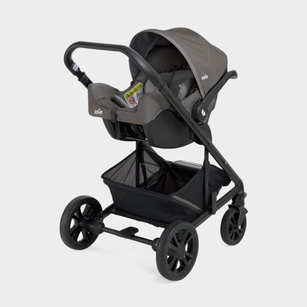 Rent a cozy combined stroller in Reunion